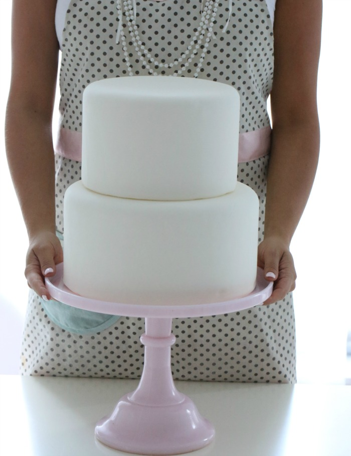 Dekke en kake med fondant eller marsipan del 7